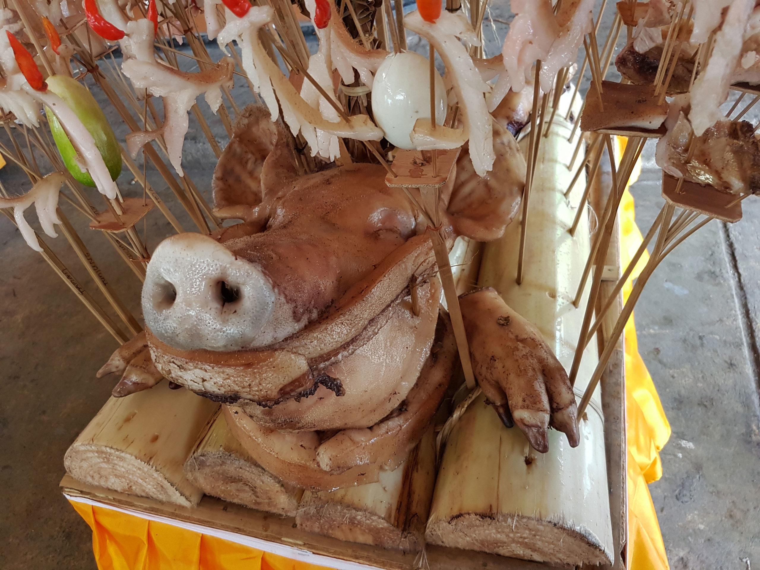 Offrandes tête de cochon Bali - Les Cro'coeurs Blog voyage