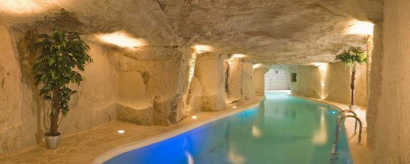 Logement insolite piscine troglodyte - Les Cro'coeurs Blog voyage
