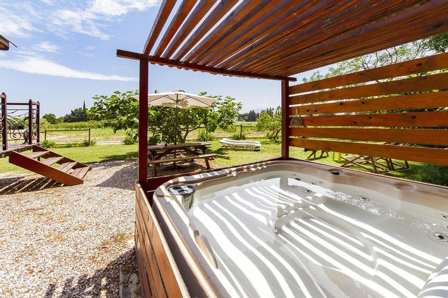 Logement insolite spa roulotte - Les Cro'coeurs Blog voyage