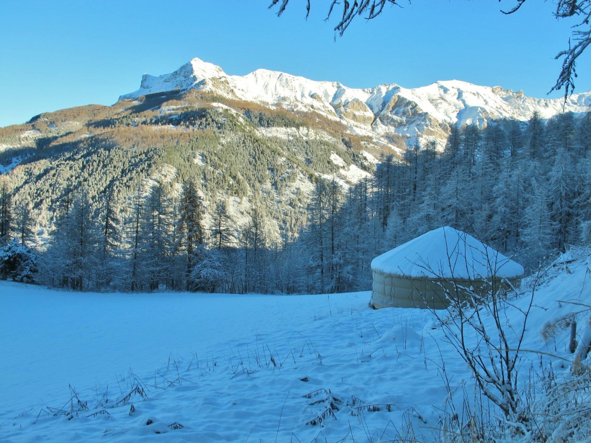 Logement insolite Yourte montagne - Les Cro'coeurs Blog voyage